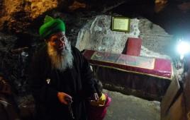 SE @ St Barnabas Tomb