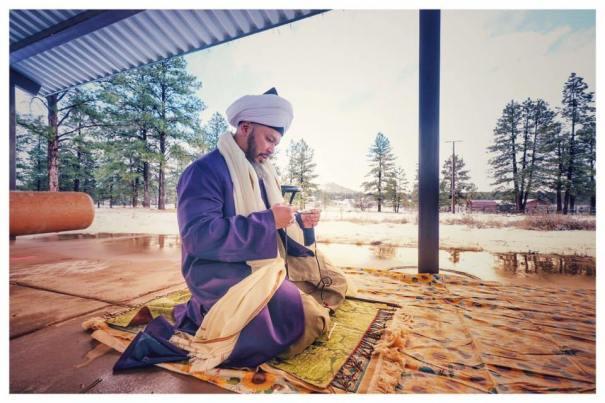 sheykh-lokman_tasbih_pray.jpg